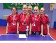 Zľava: Katarína Belopotočanová, Martina Adámeková, vedúci mužstva Emil Cisarik, Adriána Cisariková, Lívia Melicherová.